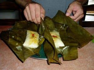 Noel-au-Costa-Rica-preparation-tamales