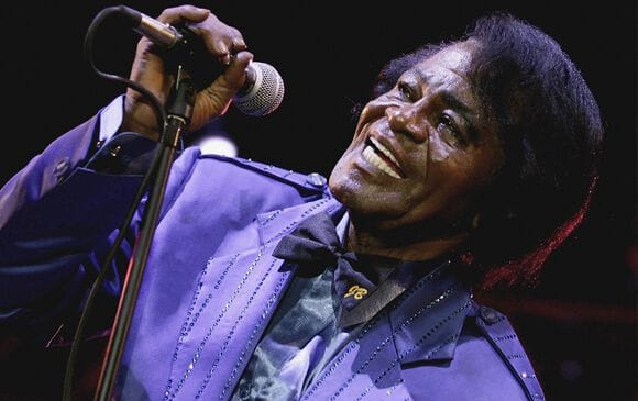 James Brown hommage à Escazu