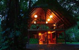 hotels-originaux-et-excentriques-costa-rica-pacuare-lodge-arrivee-en-rafting