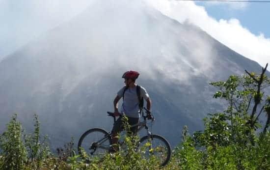 volcan-arenal-vtt-costa-rica-decouverte