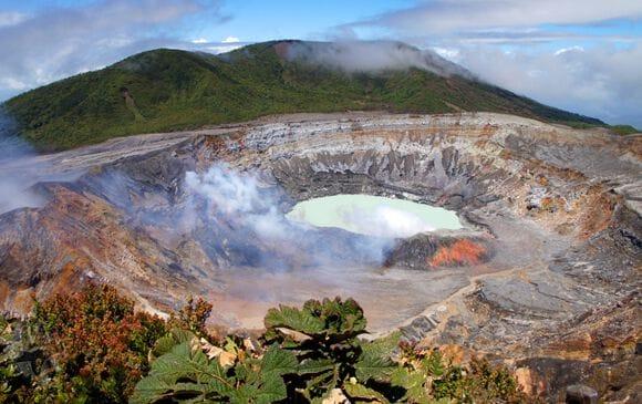parc-national-volcan-poas-costa-rica-decouverte