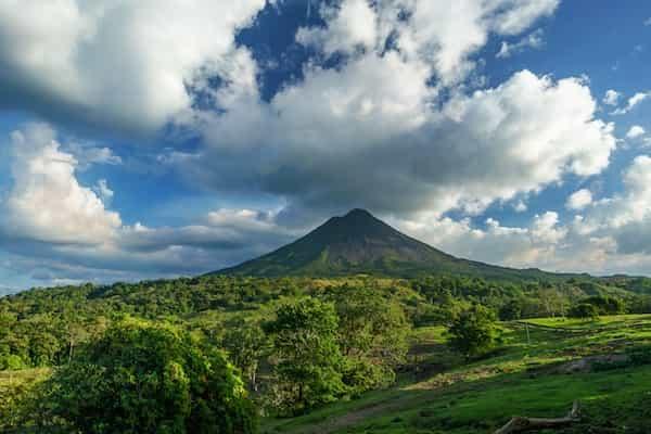 parc national du volcan Arenal, une merveille naturelle