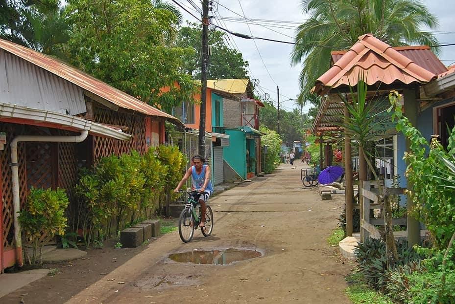parc-national-tortuguero-village-costa-rica-decouverte