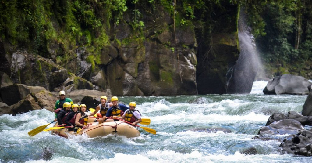 adrenaline-rafting-pacuare-costa-rica-decouverte