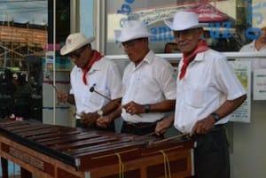 musiciens-marimba-costa-rica