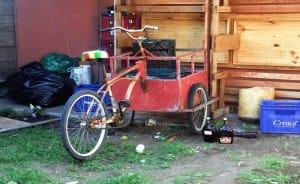 Tricycle fait maison au Costa Rica. Transport au Costa Rica pour les couettes distances