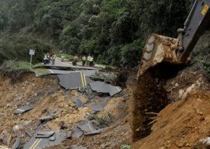 effondrement-route-1-costa-rica-tempete-tropicale-nate