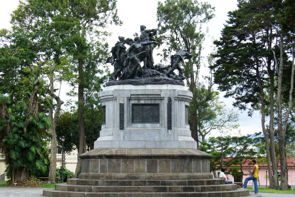 monument-national-1-costa-rica-decouverte