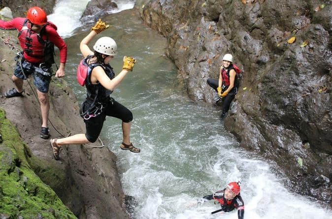 canyoning-riviere-costa-rica-decouverte