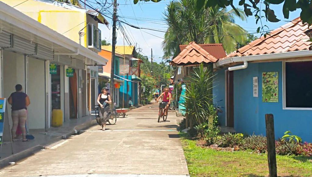 nidification-tortuguero-village-costa-rica-decouverte