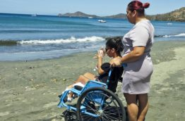 accessibilite-chaise-roulante-playa-hermosa-costa-rica-decouverte